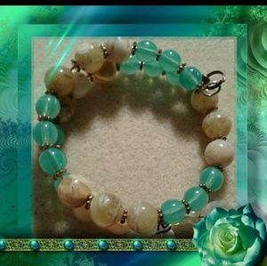 Jewelry - Genuine yellow opal memory wire bracelet